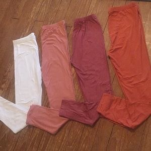 Pants - NWT White PLUS SIZE Peachskin leggings